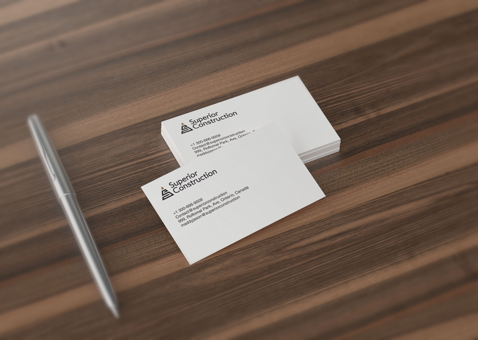 Free-Premium-Business-Card-Mockup-PSD-File-2