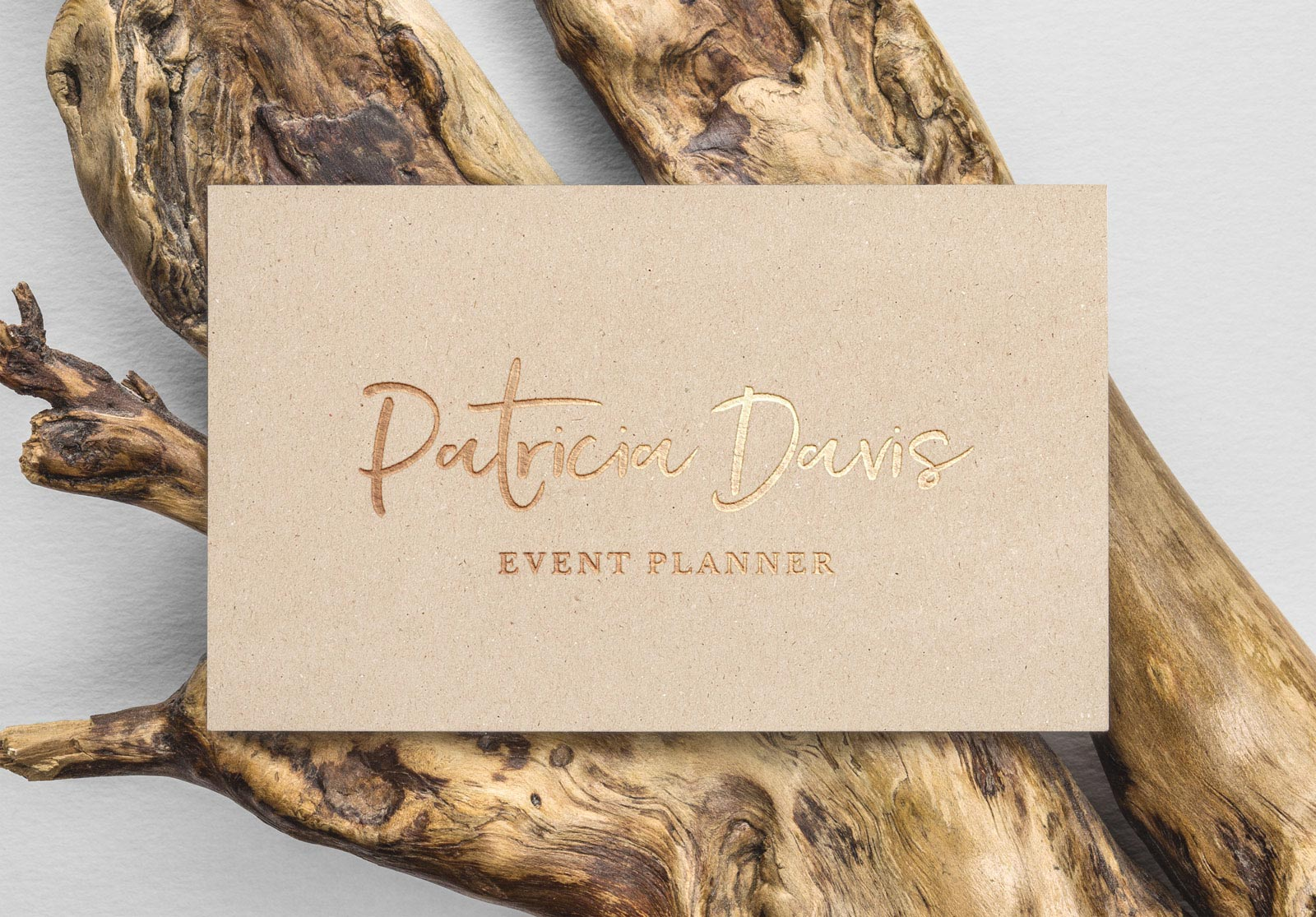 Free-Gold-Foil-Business--Card-Mockup-PSD
