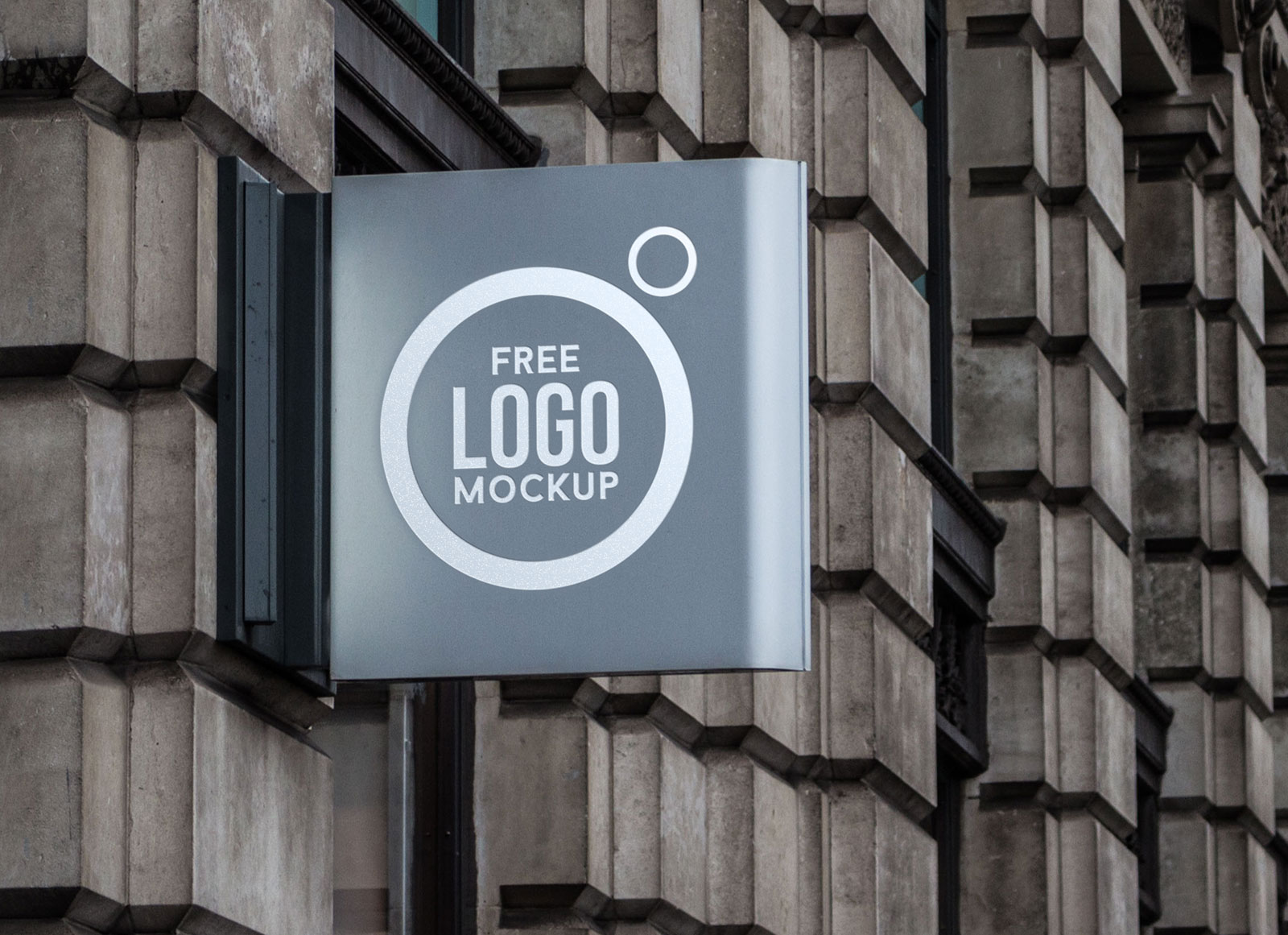 Free-Outdoor-Advertisment-Wall-sign-Mockup-PSD