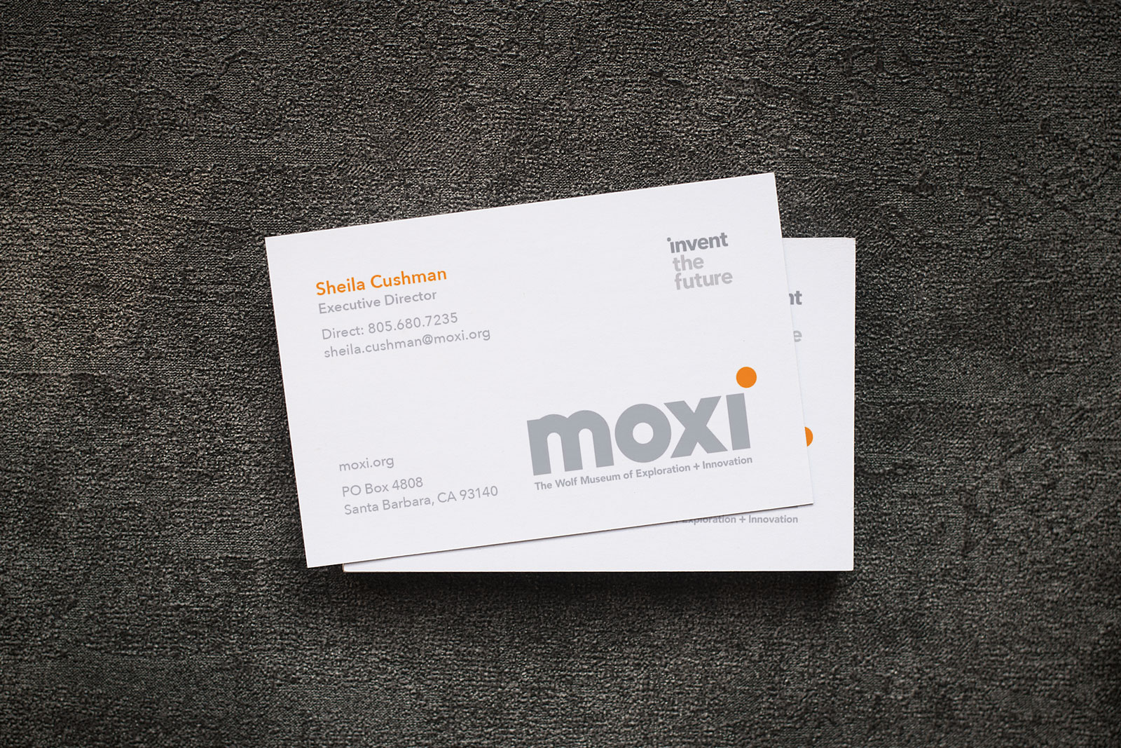 Free-Simple-One-Sided-Business-Card-Mockup-PSD-2