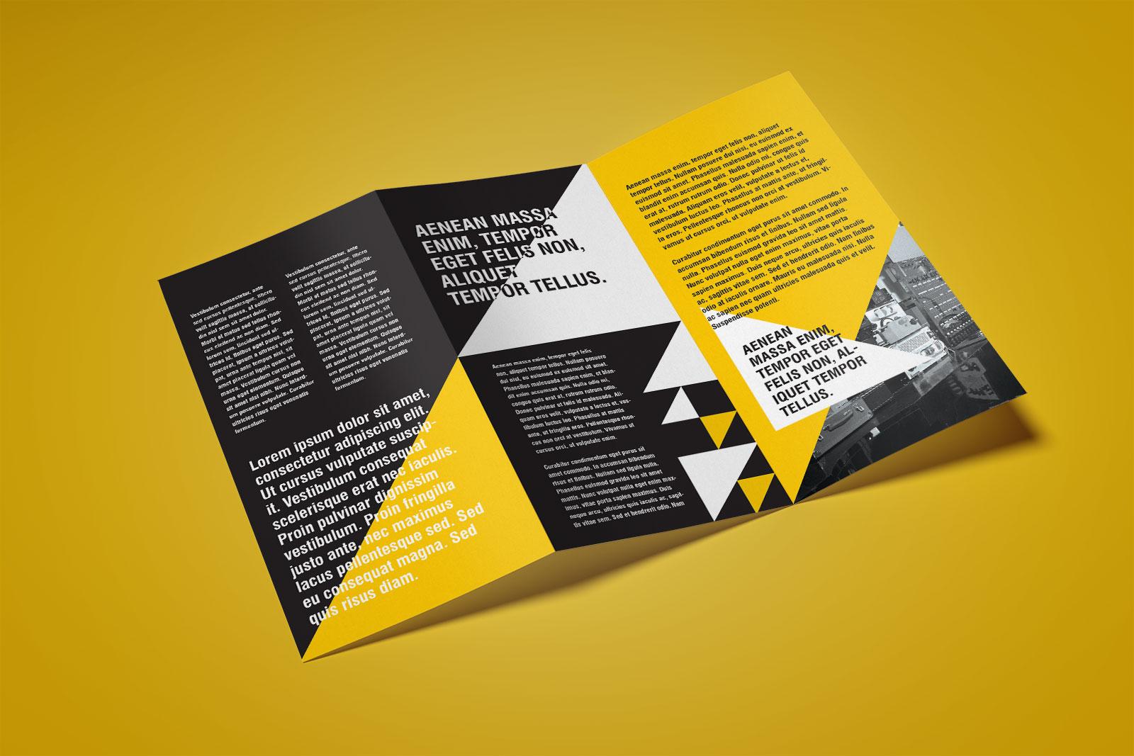 Free-Z-Fold-Brochure-Mockup-PSD-file-3