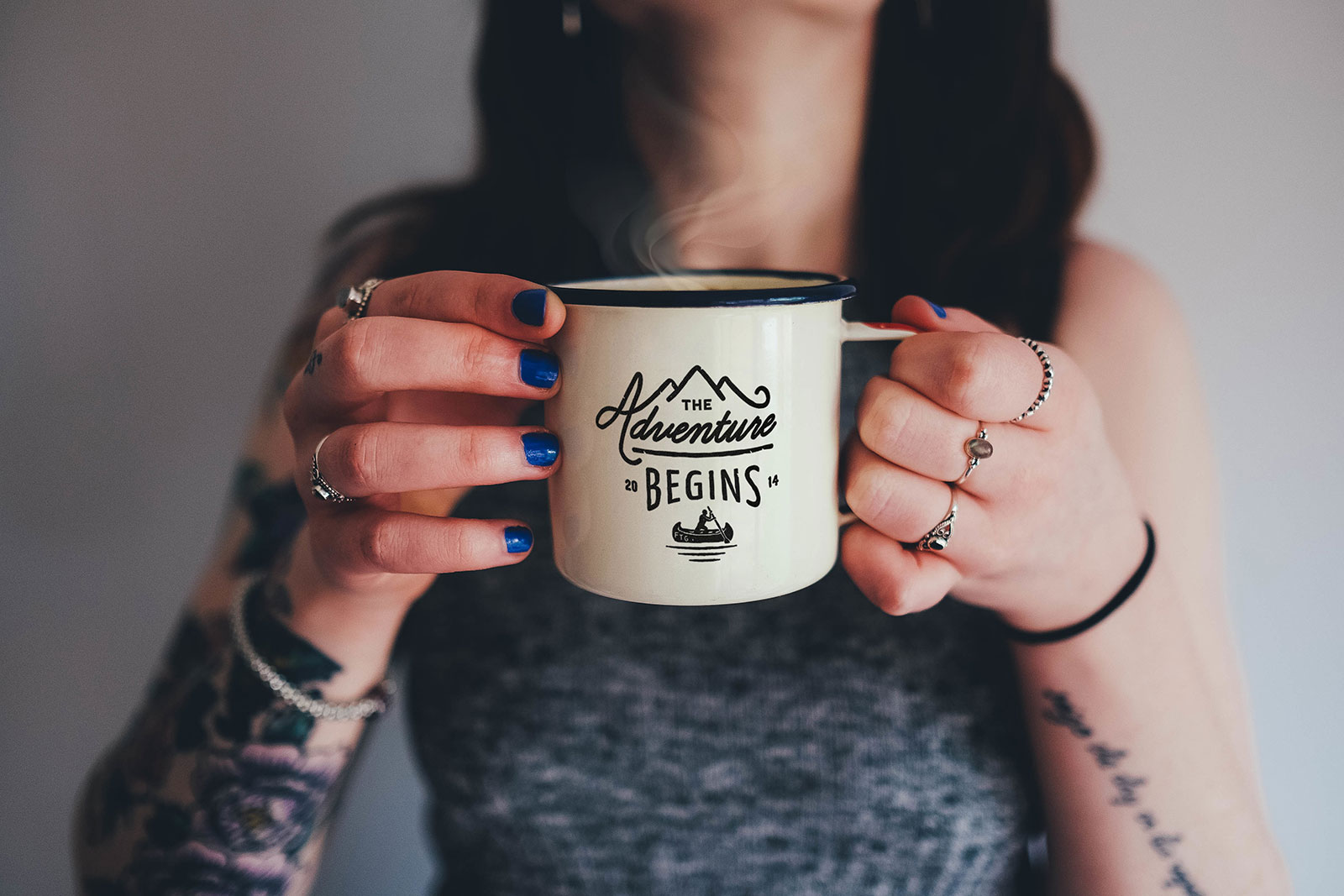 Free-Enamel-Coffee-Mug-Photo-Mockup-PSD
