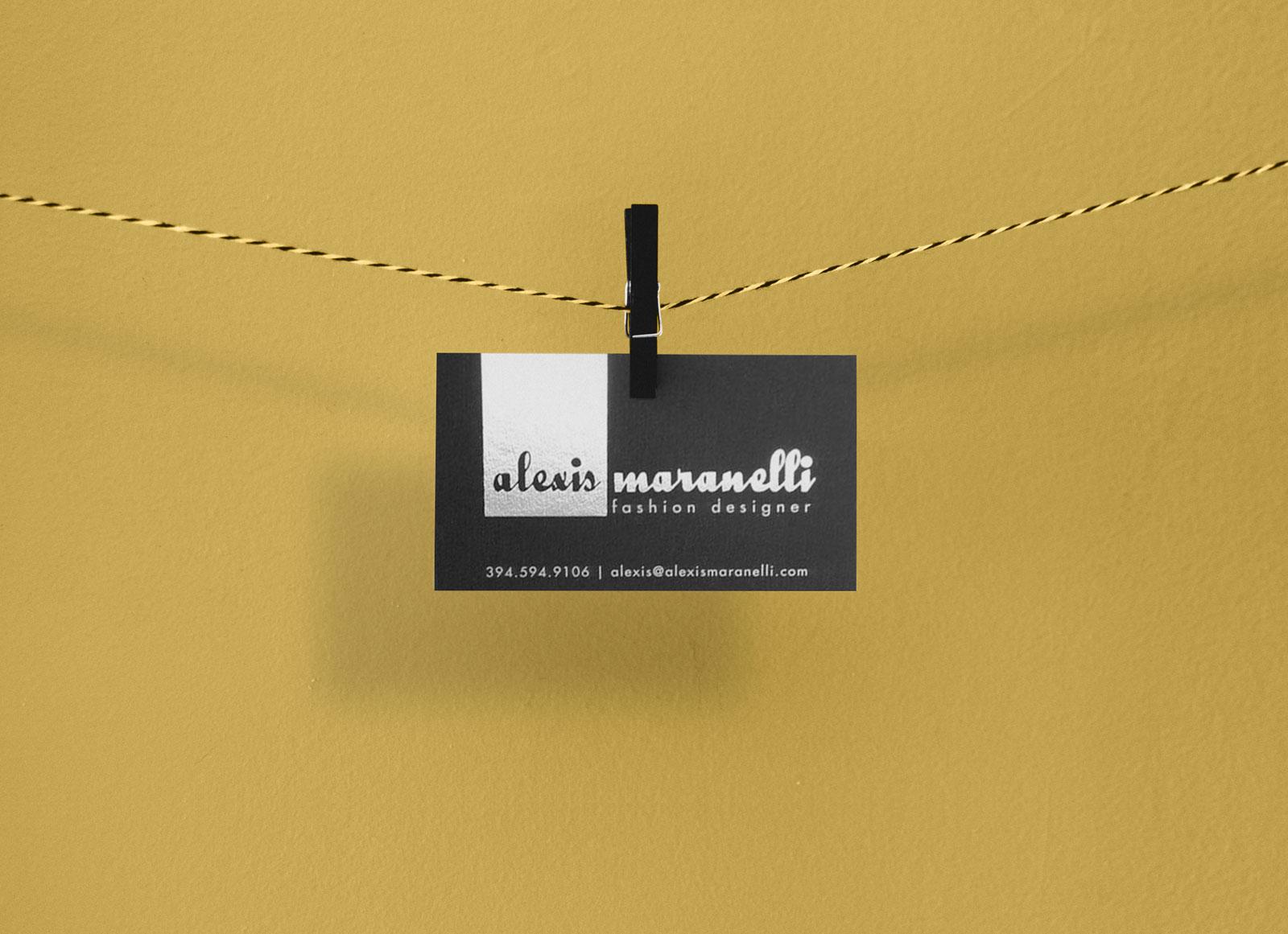 Free-Photorealistic-Business-Card-Mockup-PSD