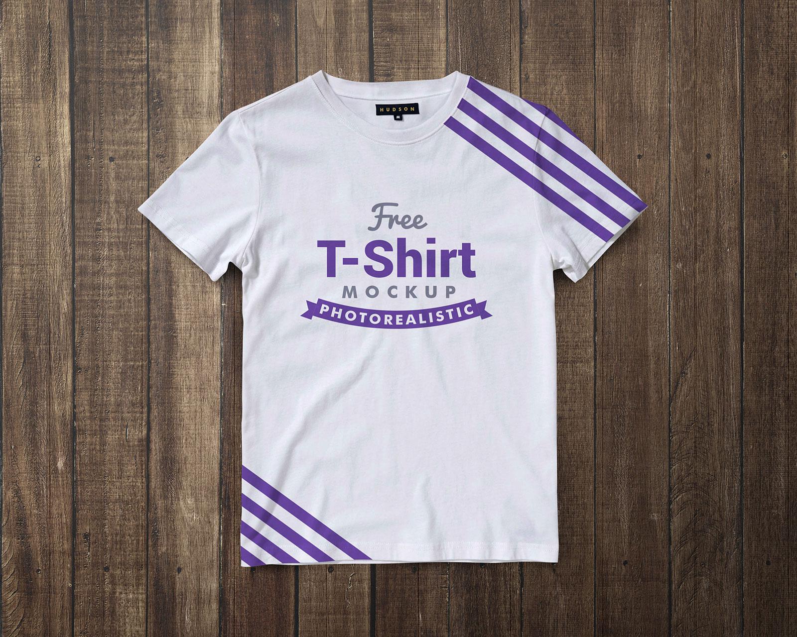 Free-Black-&-White-Half-Sleeves-T-Shirt-Mockup-PSD-5