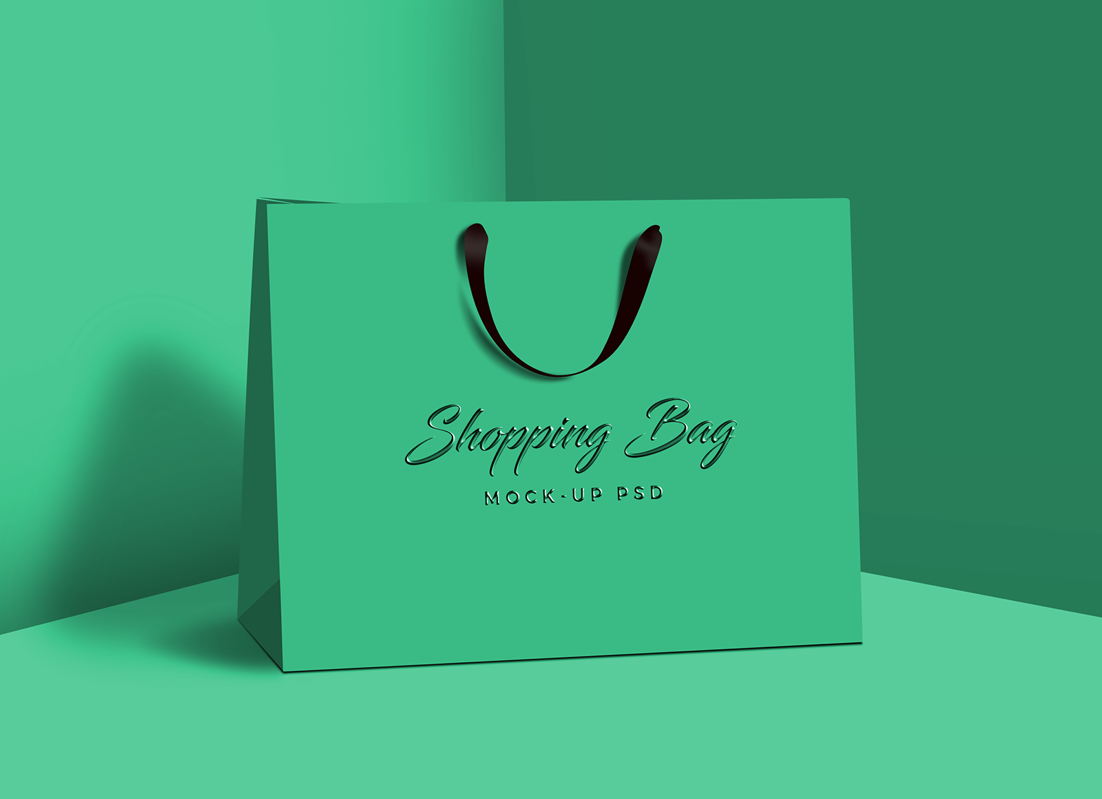 Free-Photorealistic-Shopping-Bag-Mock-up-PSD-2