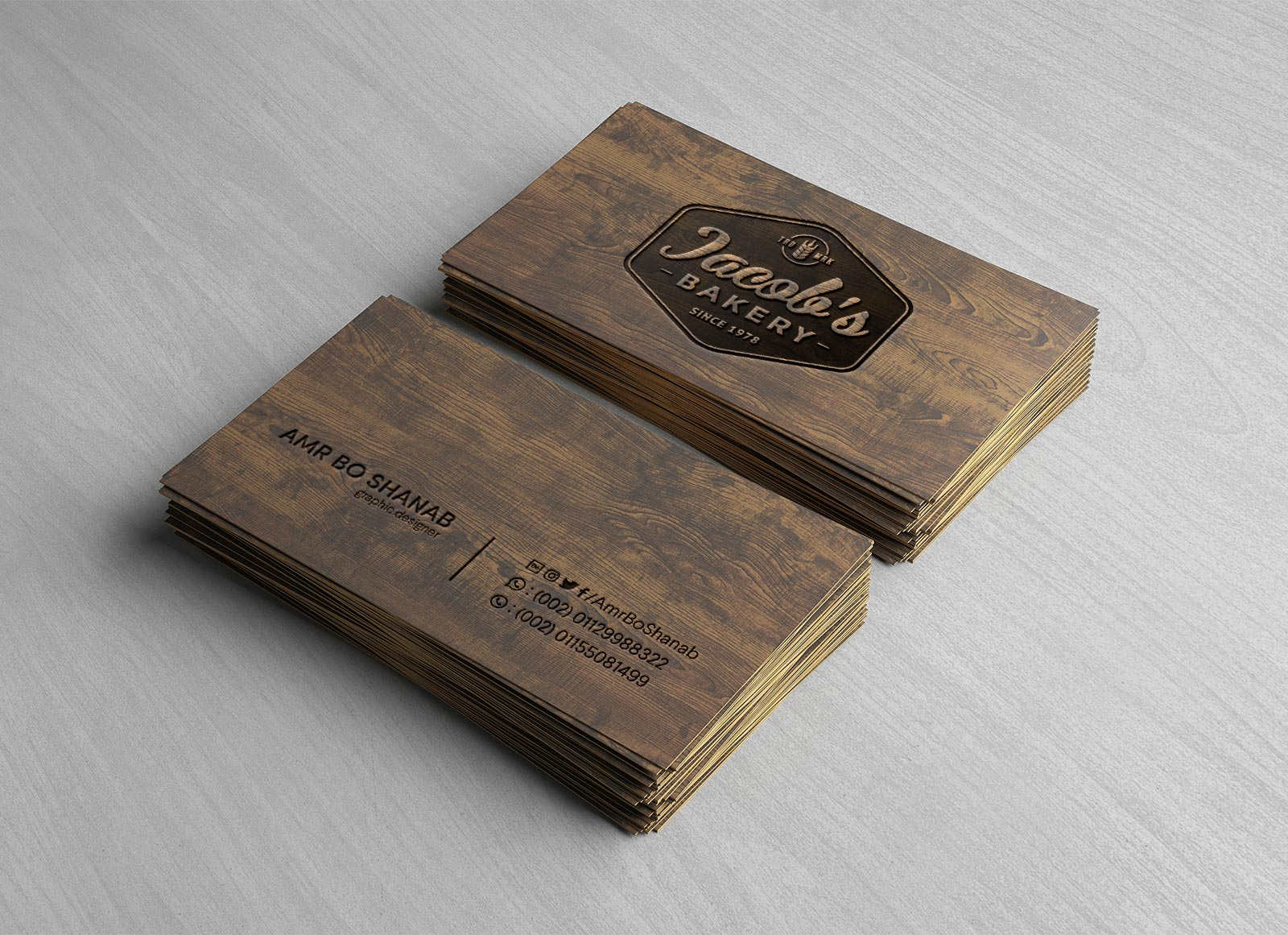 Free-Front-Back-Wooden-Business-Card-Mockup-PSD