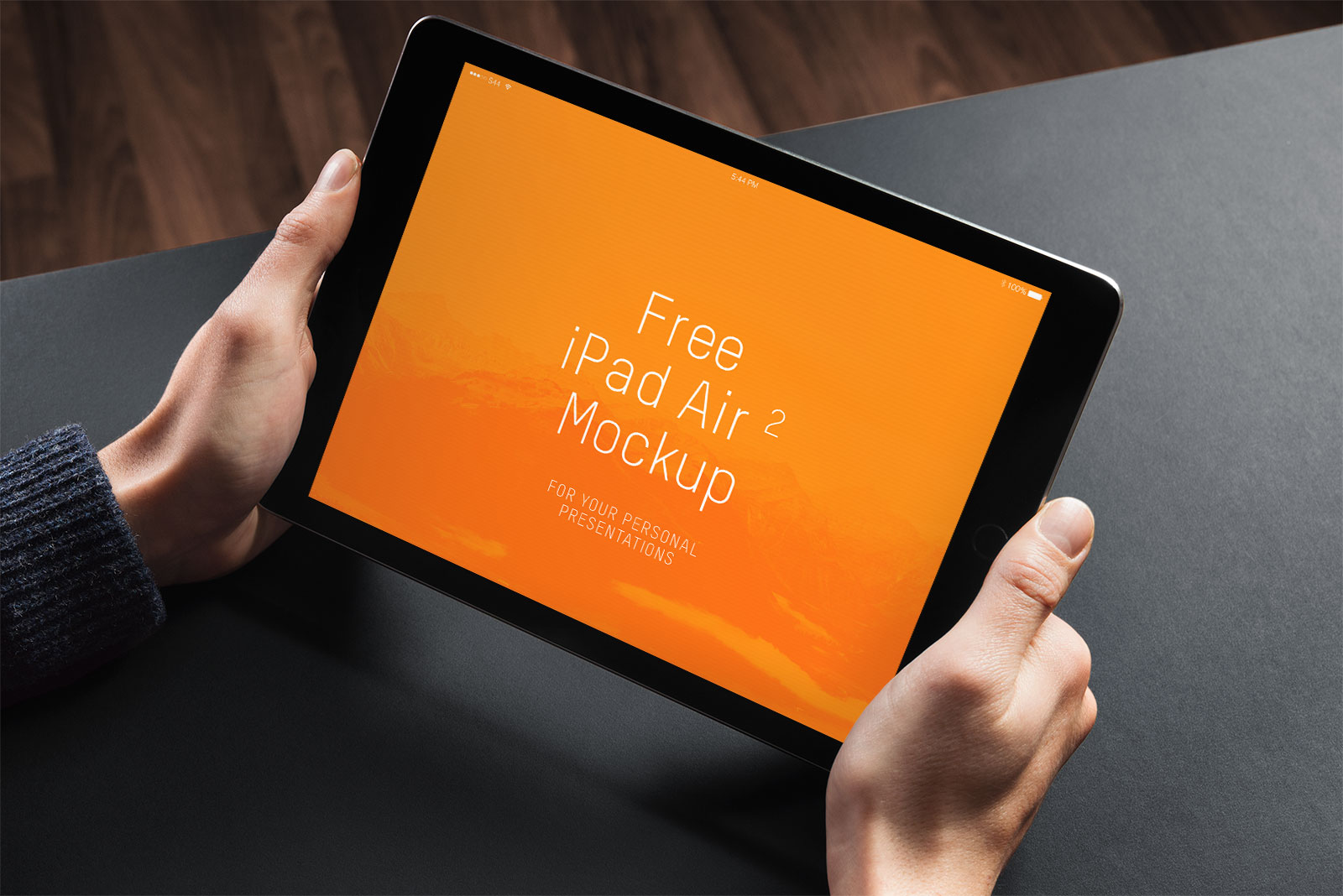 Free-iPad-2-photo-mockup-PSD