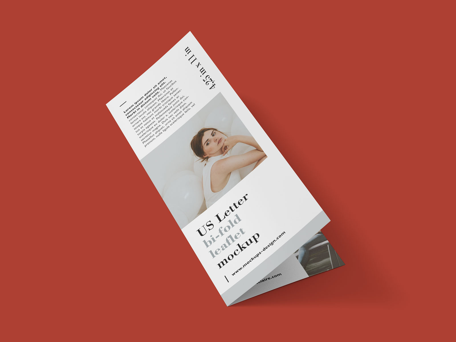 Free Bi-Fold Brochure - Leaflet Mockup PSD