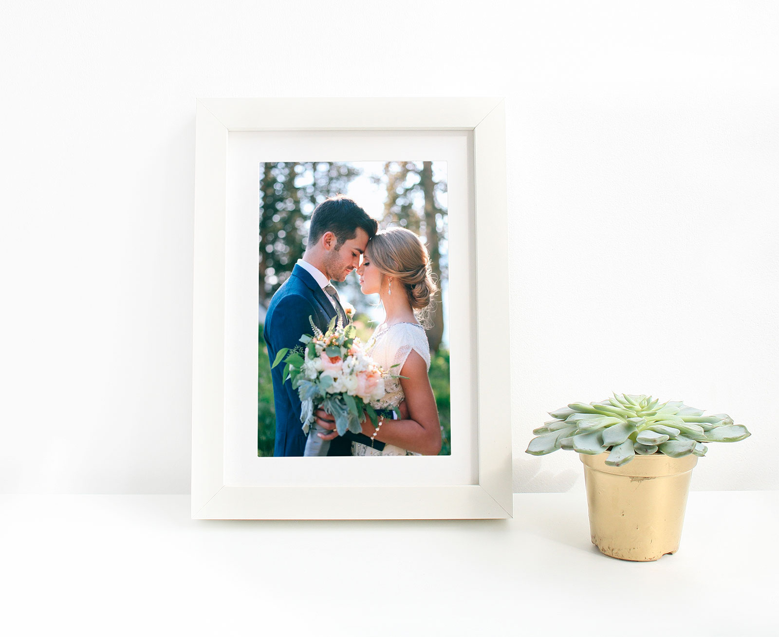 Free-Picture-Frame-Mockup-PSD-for-Wedding-Photos-&-Lettering-2