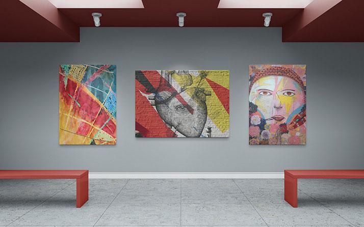 Free-Art-Gallery-Poster-Mockup-PSD-2
