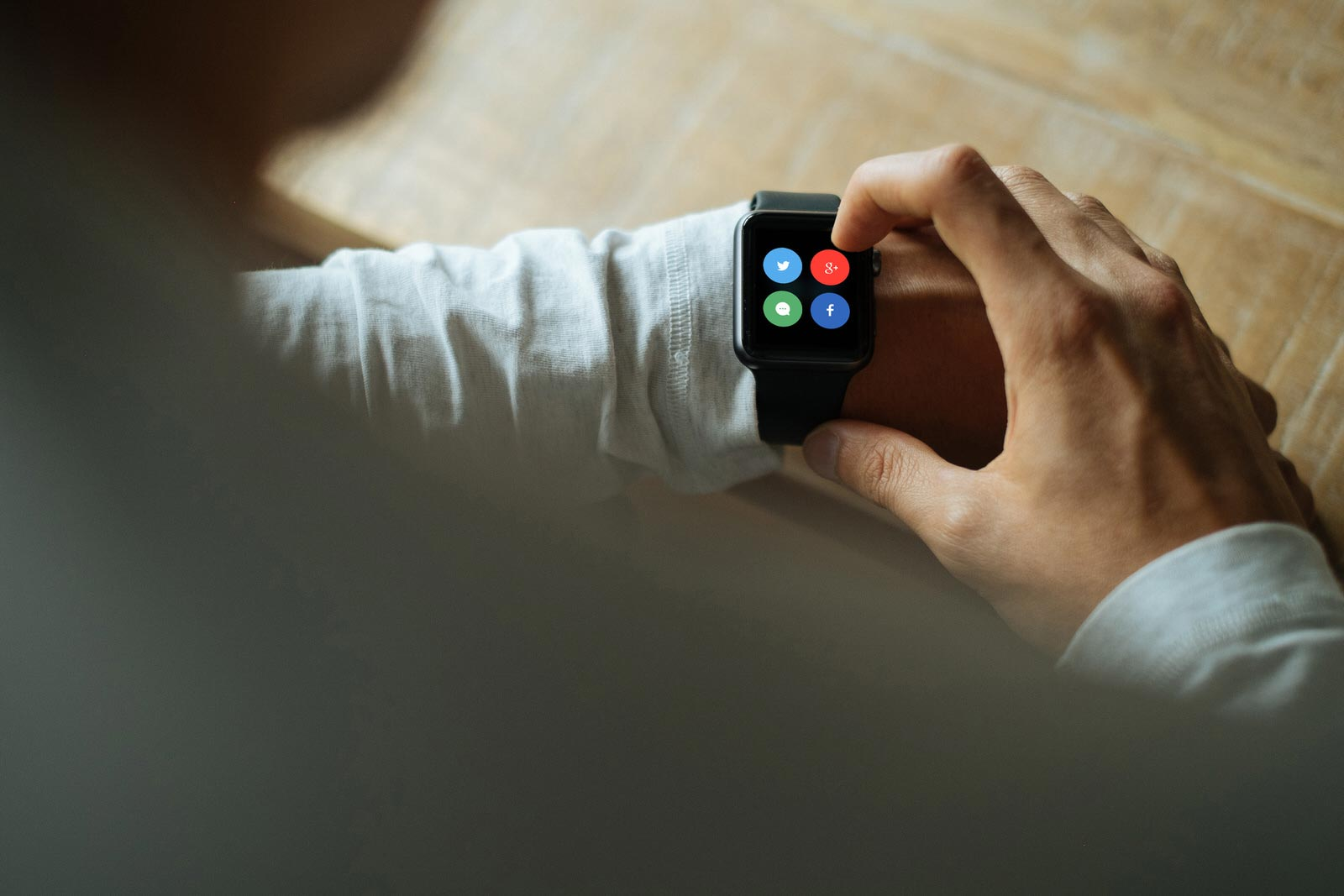 Free Apple Watch Photo Mockup PSD