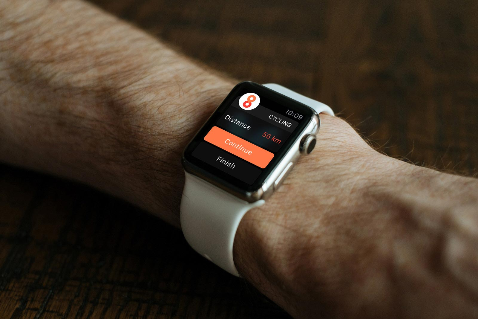 Free Apple Watch Photo Mockup PSD