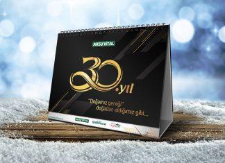 Free-Table-Calendar-Mockup-PSD