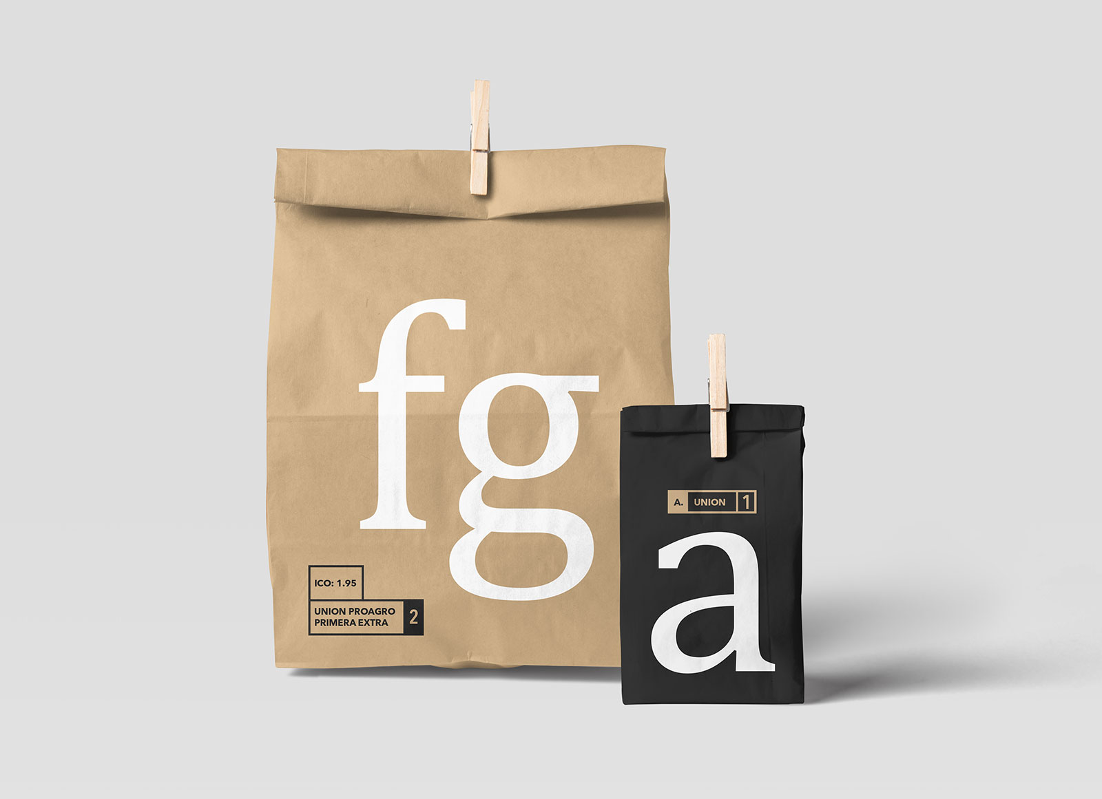 Free-Disposable-Paper-Bag-Packaging-Mockup-PSD