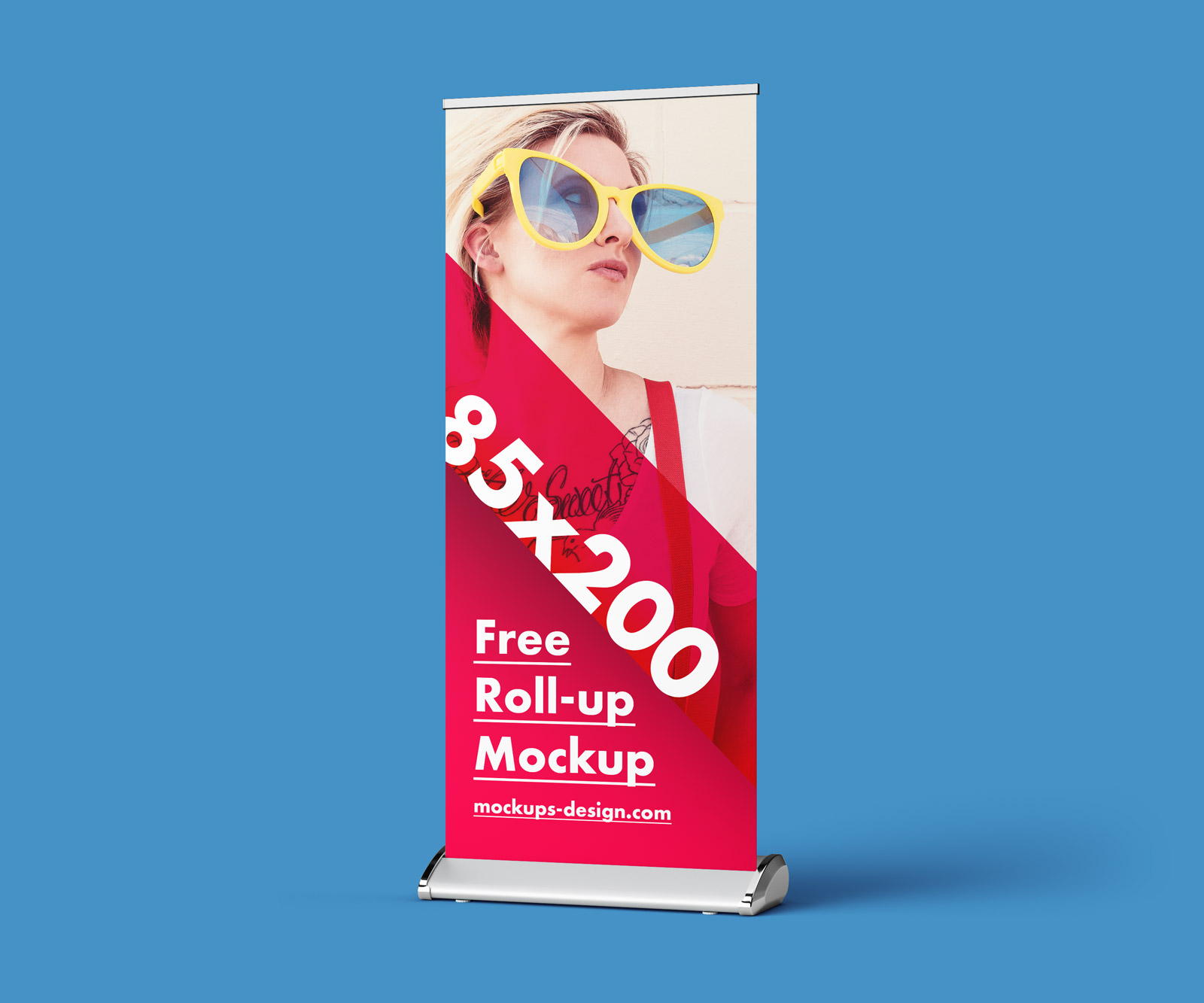 Free Roll-up Banner Stand Mock-up PSD (3)