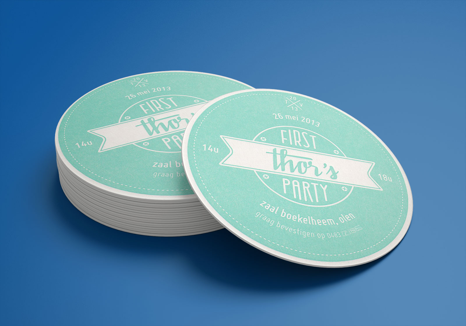 Free-Round-Drink-Beverages-Coaster-Mockup-PSD