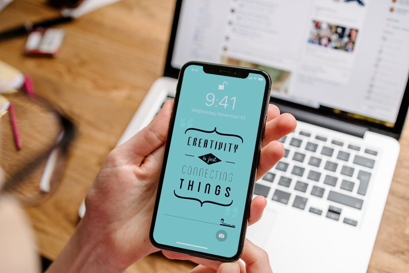 Free-Apple-iPhone-X-Photo-PSD-Mockups