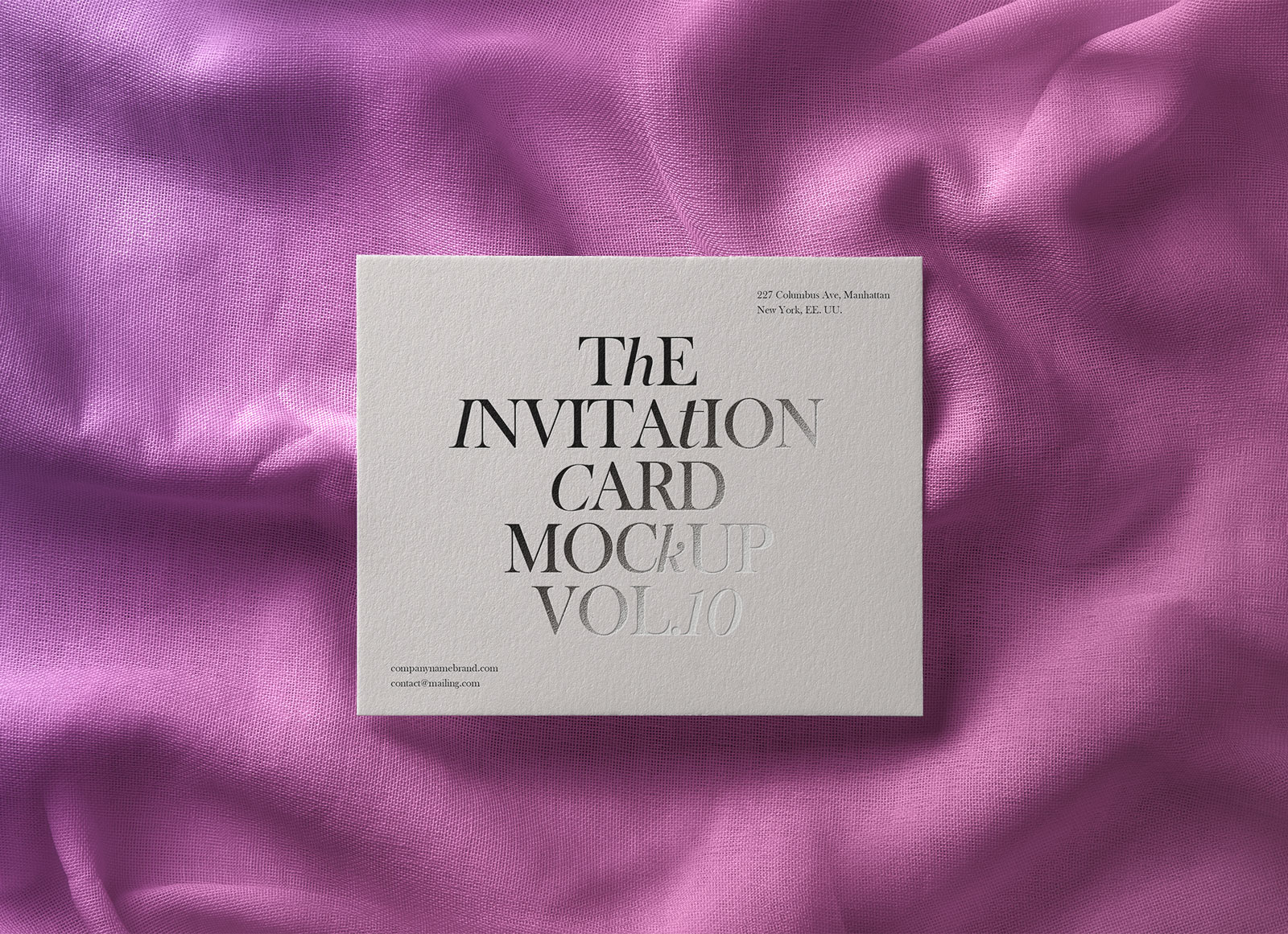 Free-Greeting-Wedding-Invitation-Card-Mockup-PSD-2