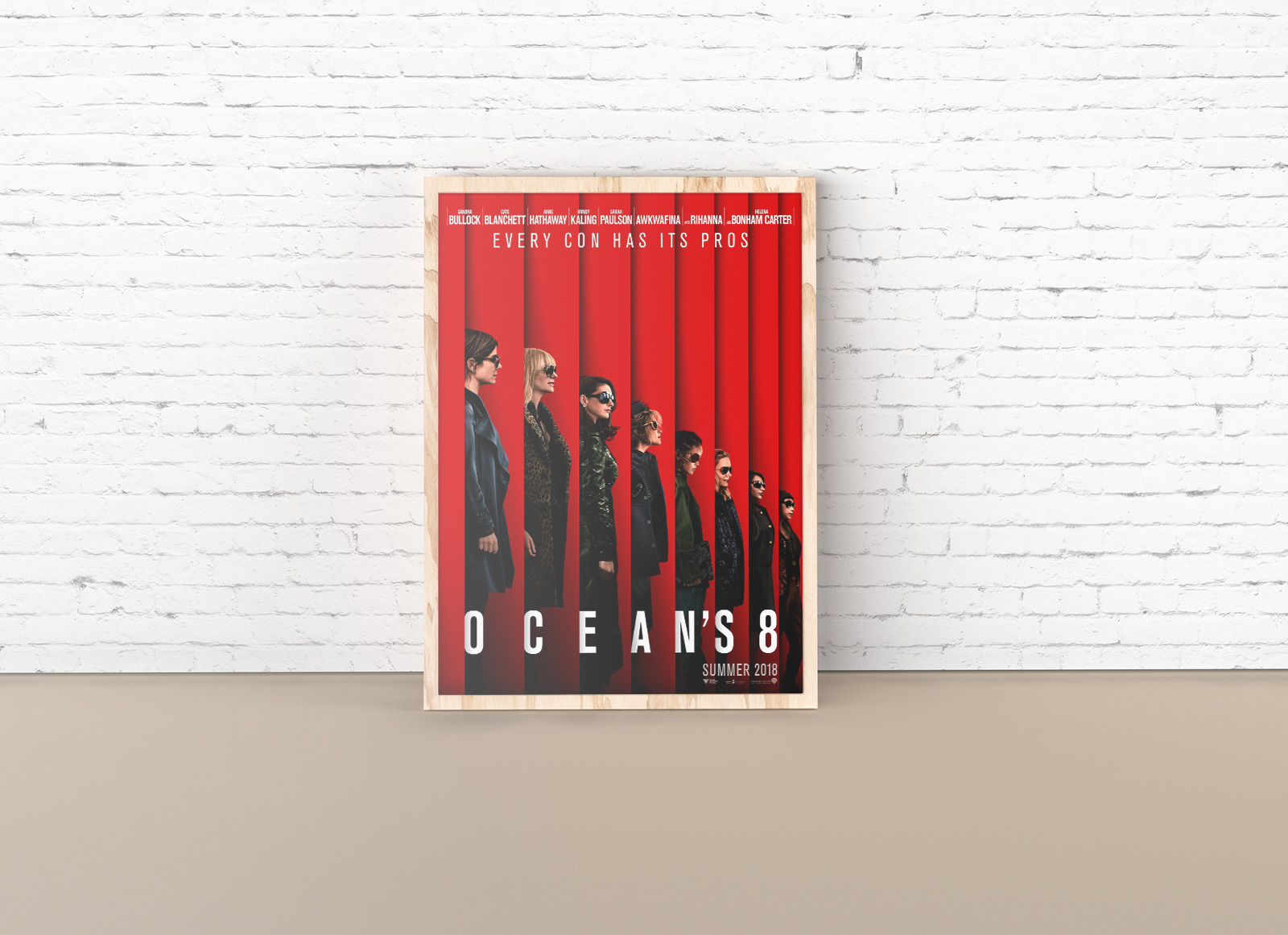 Free-Solo-Poster-Photo-Frame-Mockup-PSD