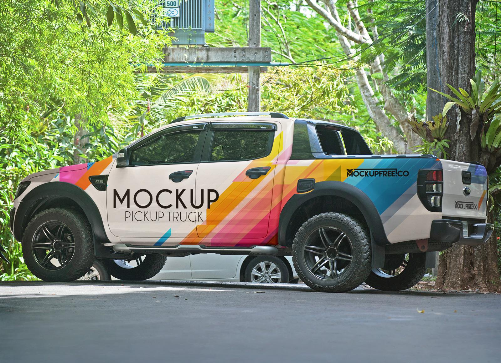 Free-Vehicle-Branding-Pickup-Truck-Mockup-PSD-2