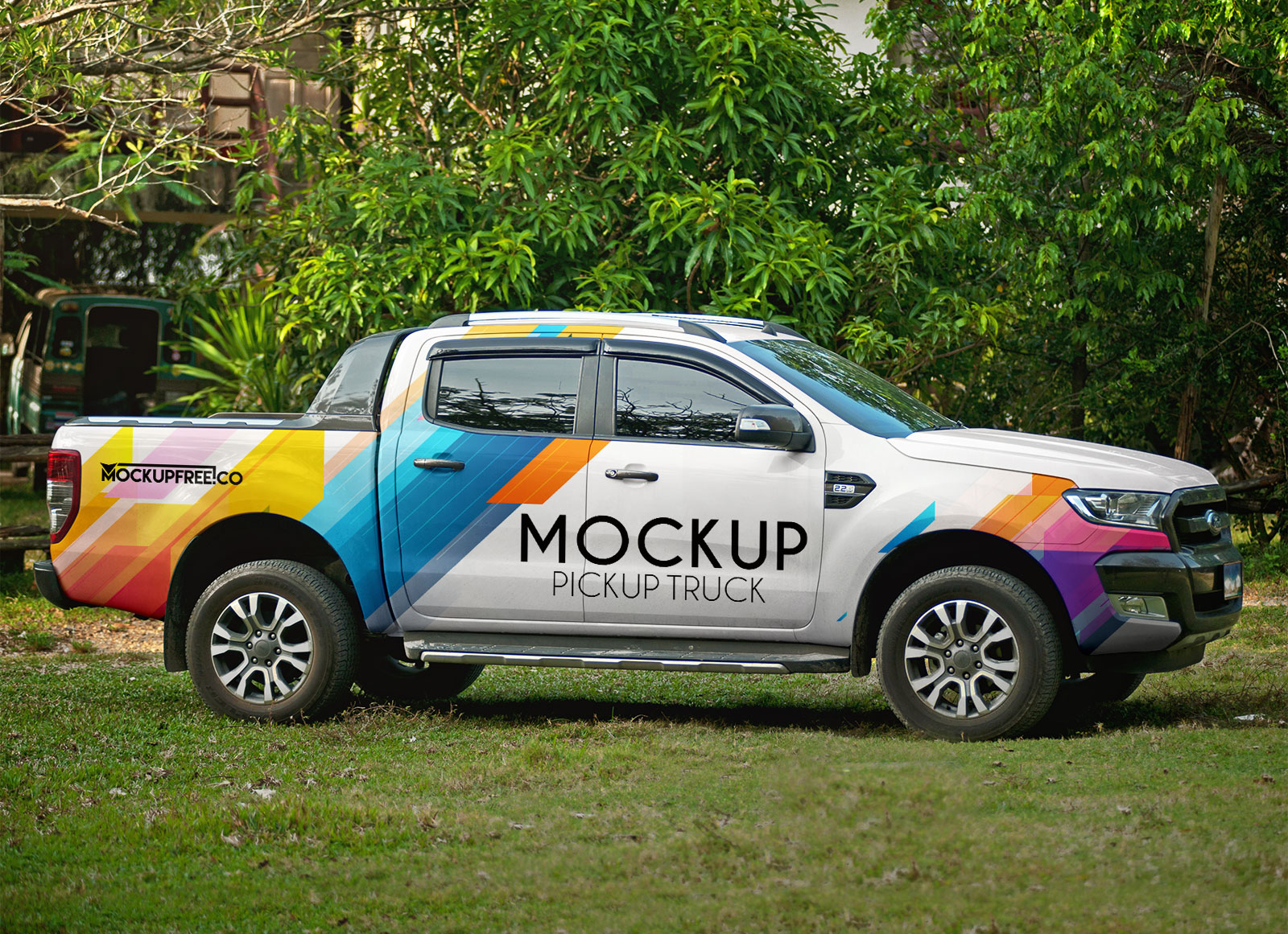 Free-Vehicle-Branding-Pickup-Truck-Mockup-PSD