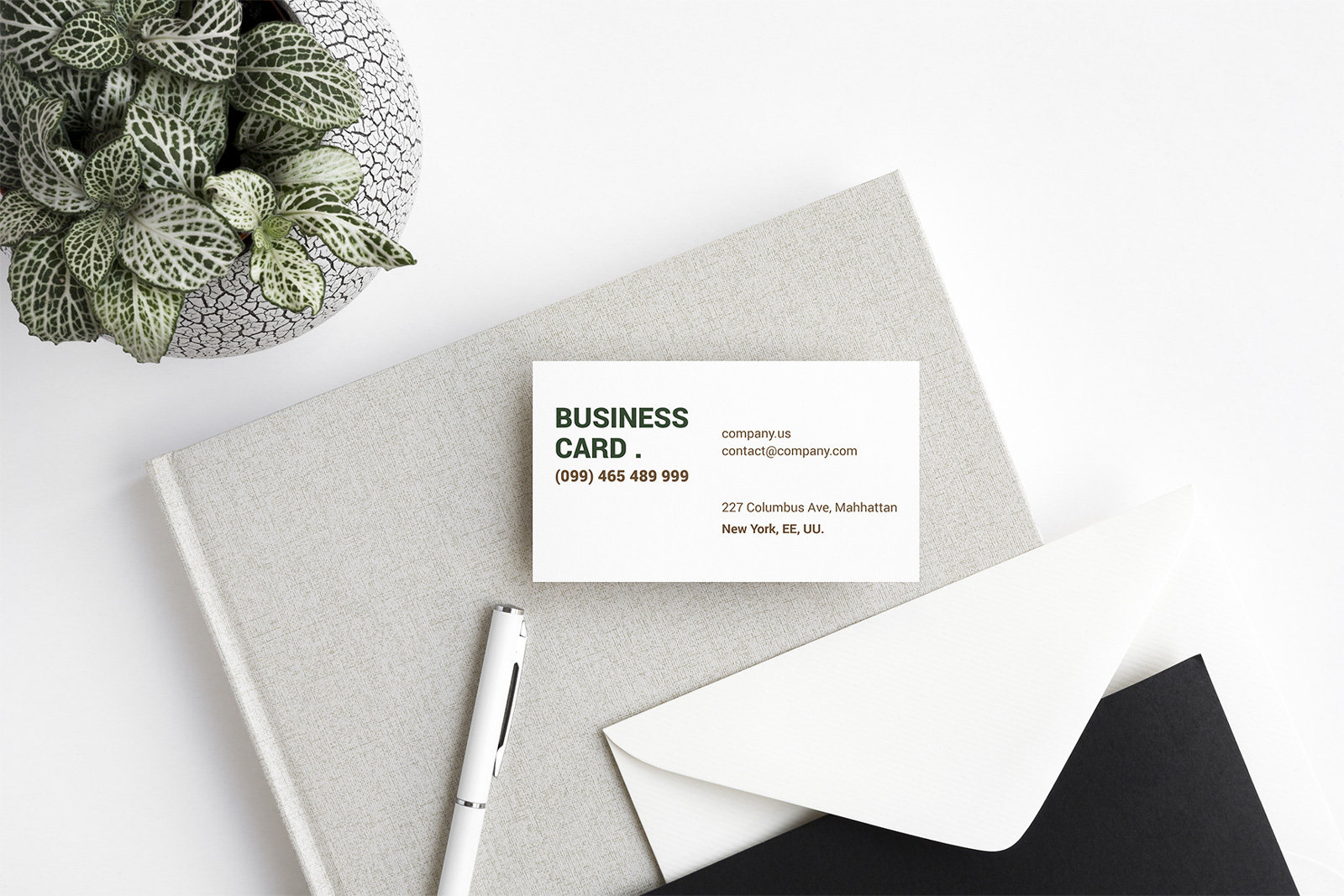 Free-Beautiful-Business-Card-Mockup-PSD-Set-2
