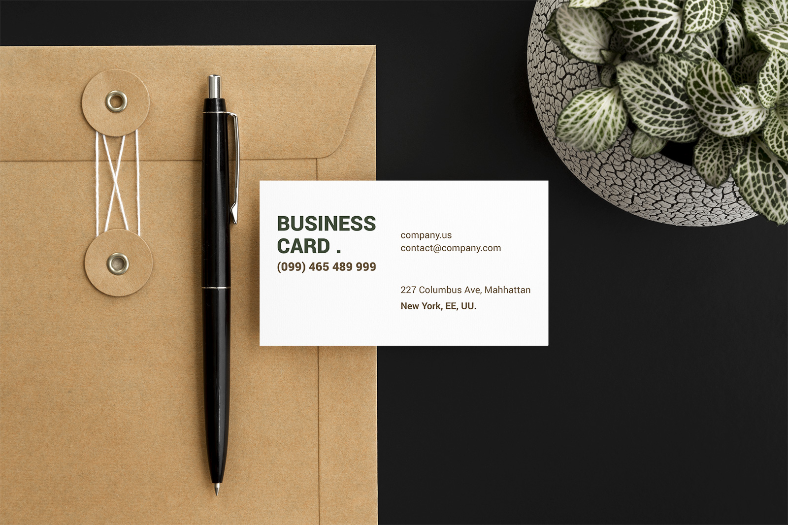 Free-Beautiful-Business-Card-Mockup-PSD-Set-3