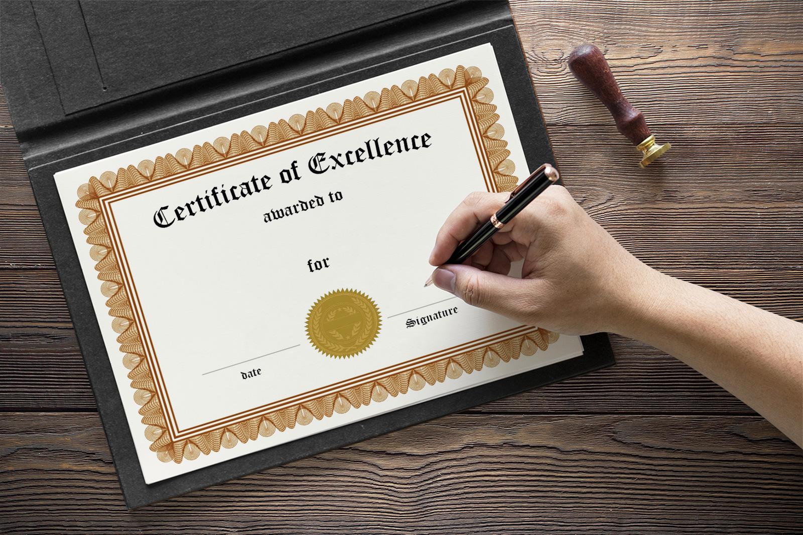 Free-Certificate-Mockup-PSD-2