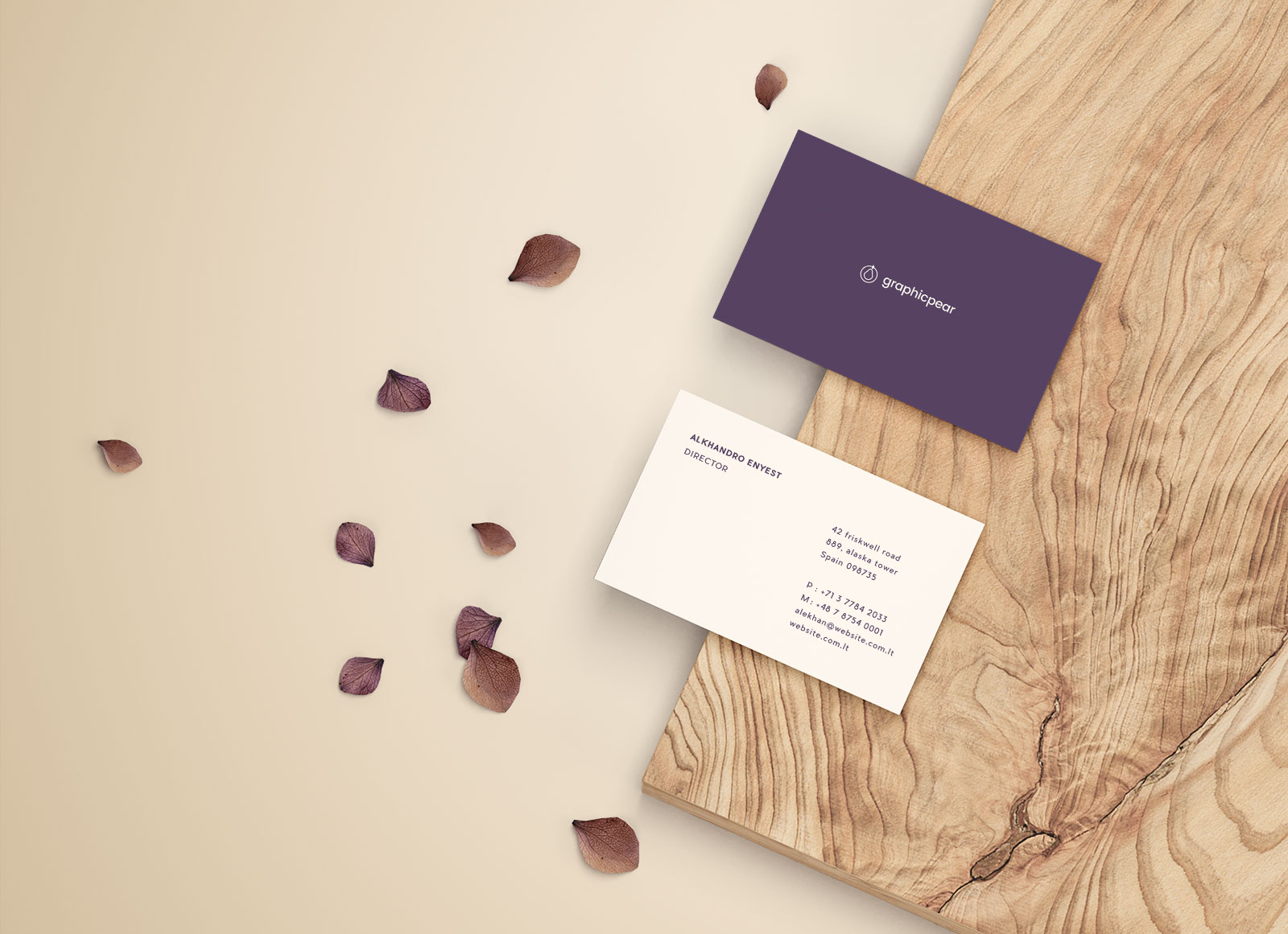 Free-Premium-Business-Card-Mockup-PSD