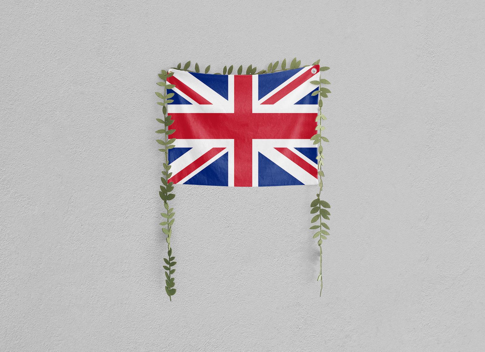 Free-Wall-Hanging-Flag-Mockup-PSD-3