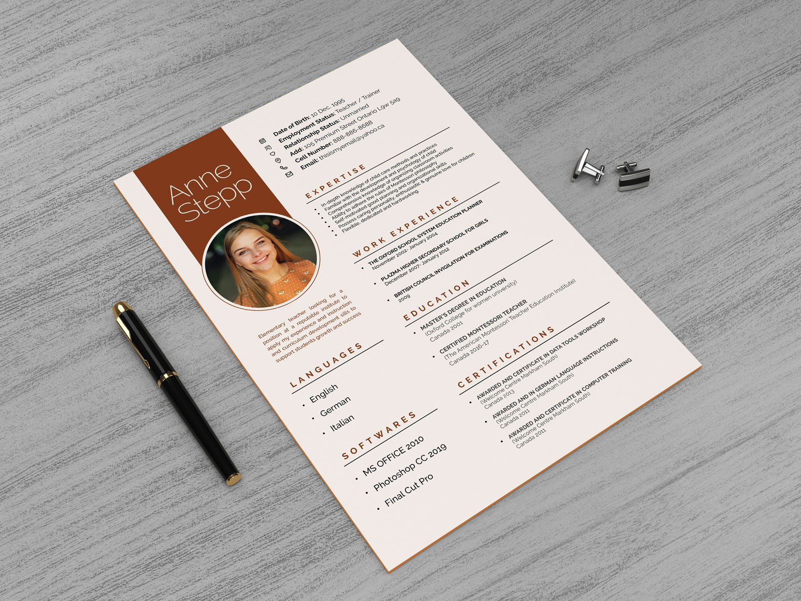 Free-A4-Paper-Flyer-Resume-Mockup-PSD