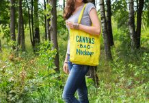 Free-Canvas-Bag-Mockup-PSD
