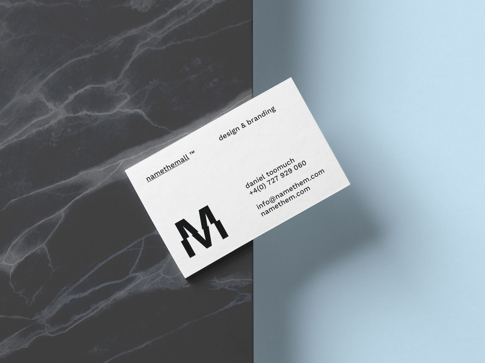 Free-Business-Card-On-The-Edge-Of-Surface-Mockup-PSD-2