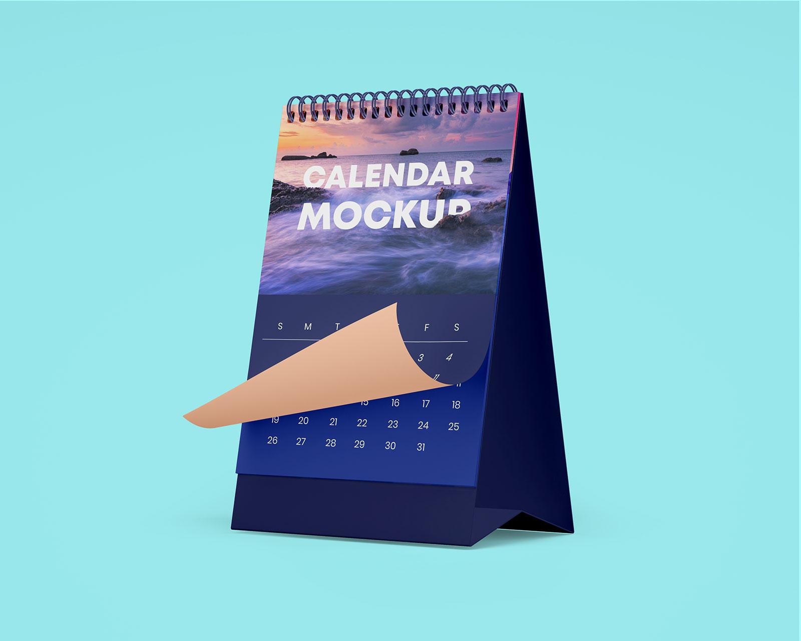 Free-Table-Office-Desk-Tent-Calendar-Mockup-PSD-Set