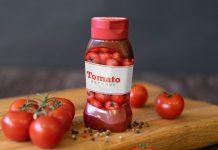 Free-Plastic-Tomato-Ketchup-Sauce-Paste-Bottle-Label-Mockup-PSD