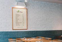 Free-Wooden-Frame-Restaurant-Menu-Poster-Mockup-PSD