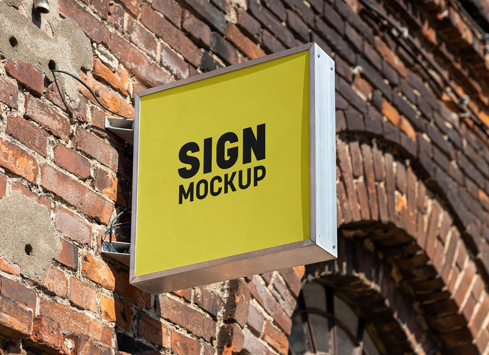 Free Square Mounted Sign Board Mockup PSD
